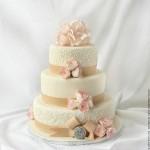 Белые свадебные торты: изящность и нежность