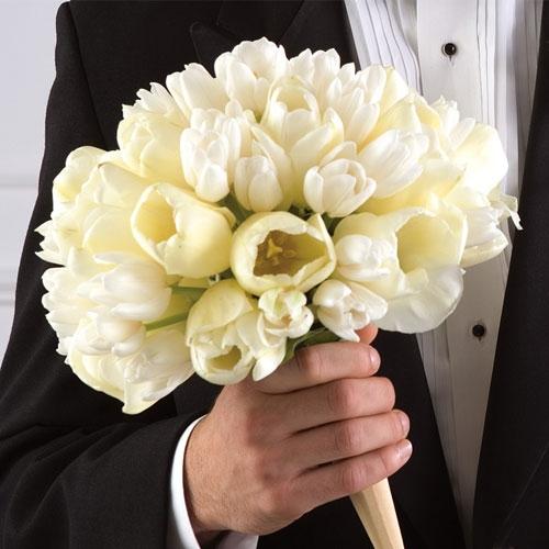 Букет невесты из белых тюльпанов