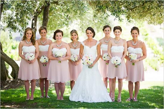 Платья подружек невесты розовые