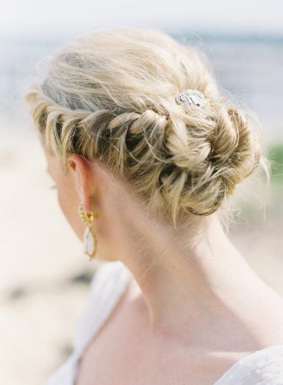 Прически для свадьбы на пляже