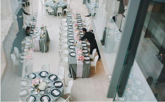 Классическая свадьба Юлии и Кирана в персиковых и серых тонах