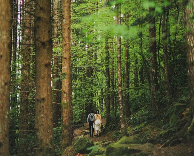 Лаура и Ник: тайное венчание в лесу