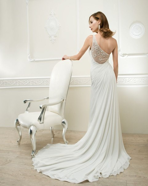 Легкие свадебные платья 2013