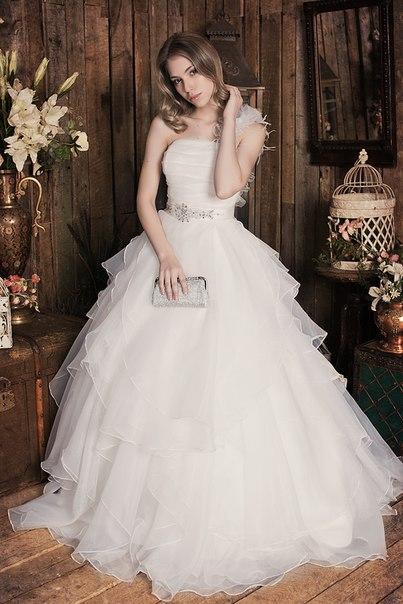 очень пышные свадебные платья 2013