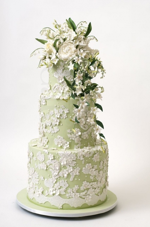 Бело-зеленый свадебный торт