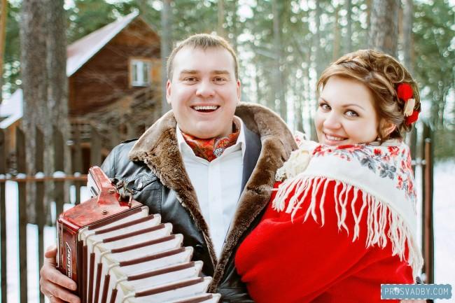http://wedding-dream.org/wp-content/uploads/2013/11/olga-i-yevgeniy-krasnaya-zimnyaya-svadba-v-russkom-stile-30.jpg