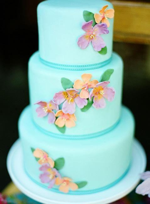 свадебный торт в бирюзовом цвете