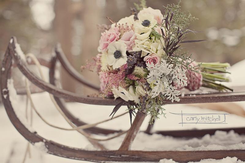Простая и уютная зимняя свадьба