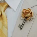 Бутоньерки с ключами