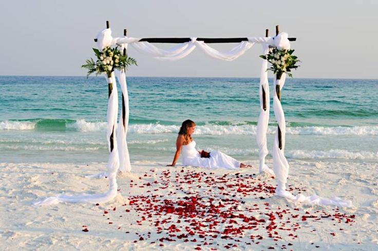 Оформление свадьбы на пляже