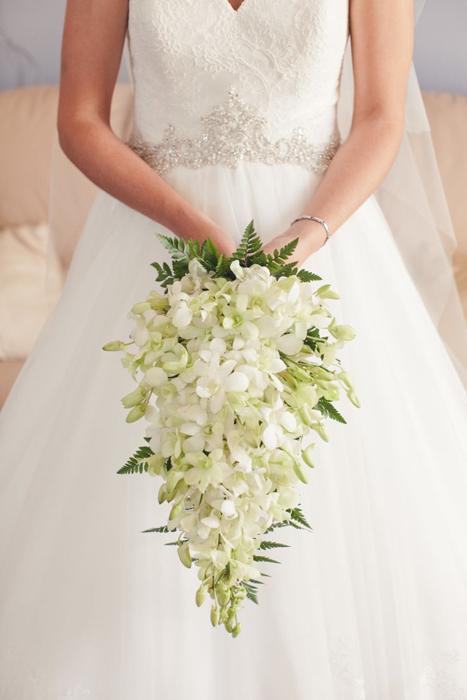 ниспадающий букет невесты