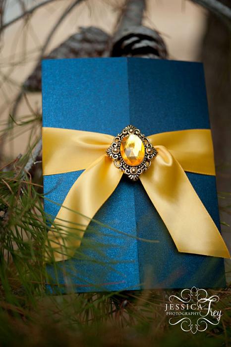синие приглашения на свадьбу