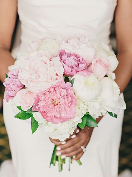 White and pink hydrangea, rose and peony