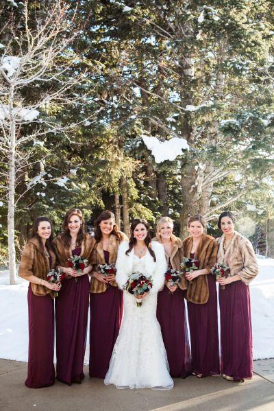 Бордовые платья подружек невесты