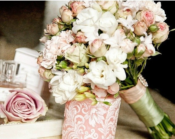 букет невесты из кустовых роз